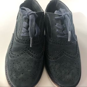 Kenneth Cole wing toe casual semi formal shoes.
